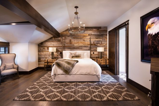 4079_N_Two_Creeks_Guest_Master_Bed_V1_8090